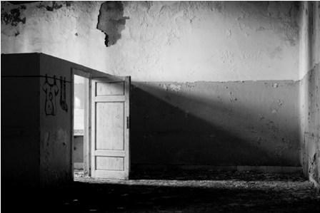 14 aprile - 6 maggio 2012, Dove Morivano i Dannati, mostra fotografica di Leonardo Donati DSC_0434-small-size